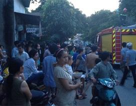 Trụ điện phát hỏa, cả khu dân cư hoảng loạn