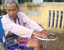 Người đàn ông hơn 20 năm góp tiền nhờ bác sỹ… cắt chân mình