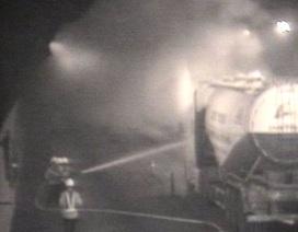 Cháy xe container, hầm Hải Vân đóng cửa 20 phút
