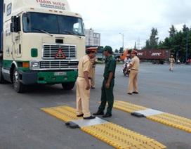 TPHCM: Ra quân xử lý xe quá tải