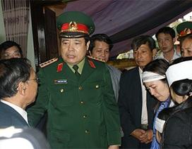 Đại tướng Phùng Quang Thanh kiểm tra vụ cháy nổ kho pháo hoa