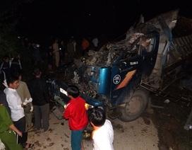 Xe tải lao xuống taluy âm, 5 người thiệt mạng