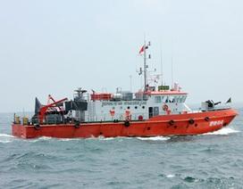Tàu chở hàng đâm tàu cá, 7 ngư dân rơi xuống biển