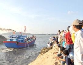 Vụ 300 ngư dân chặn quốc lộ: Thông luồng cửa biển bị bồi lấp