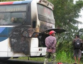 Xe cháy bất ngờ, 45 hành khách thót tim