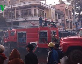 Cháy lớn gần trung tâm mua sắm sầm uất nhất Kon Tum