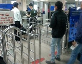 Niêm phong máy bay, 100% hành khách bị kiểm tra giày