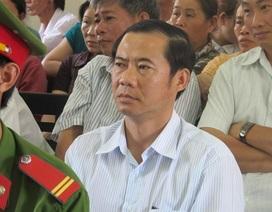 Trưởng ban Nội chính tỉnh ủy Phú Yên đến dự khán phiên tòa