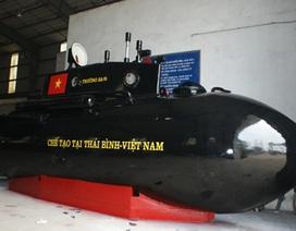 """Tàu ngầm Trường Sa """"thay áo mới"""", sẵn sàng ra biển"""