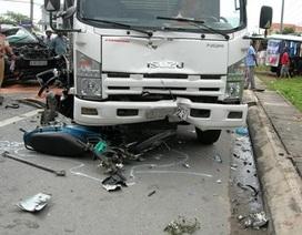 Hà Nội: 3 mẹ con chết thảm trên đường đi mua bánh sinh nhật