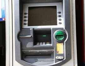 """Kỳ lạ máy ATM """"nhận 1 trả gấp đôi"""""""