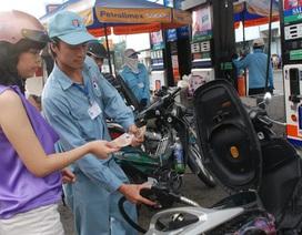 Giá xăng đột ngột tăng 400 đồng/lít