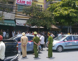 """Gần 400 xe taxi gây """"náo loạn"""" Hà Nội"""