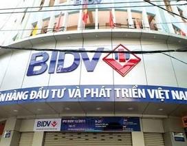 """Nữ thủ kho BIDV """"ném"""" hàng chục tỷ vào chứng khoán, lô đề"""