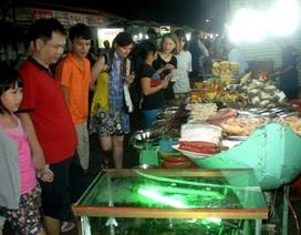 """Chợ đêm ở """"đảo ngọc"""" Phú Quốc: """"Chỉ con nào, làm con ấy"""""""