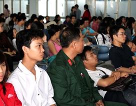 Vé tàu tết: 35.000 hành khách ngồi ghế phụ