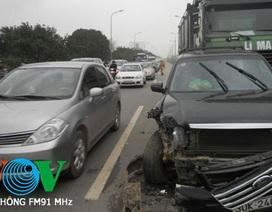 Tai nạn liên hoàn, cao tốc Thăng Long- Nội Bài ùn tắc