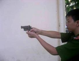 Hà Nội trang bị súng bắn đạn cao su đa năng cho Cảnh sát khu vực