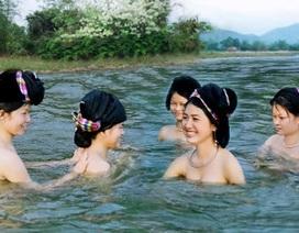 Suối ngược dòng ở miền gái đẹp