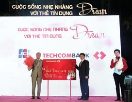 Techcombank ra mắt thẻ tín dụng cho khách hàng có thu nhập từ 4 triệu đồng/tháng