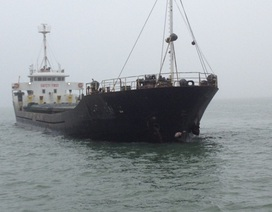 Tàu 3.000 tấn bị đâm chìm: Yêu cầu trục vớt xong trong 10 ngày
