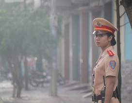 Những bóng hồng điều khiển giao thông trên đường phố Quy Nhơn