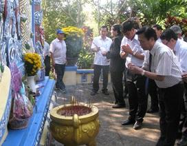 Hàng nghìn người dâng hương tưởng niệm công nhân xây đập Đồng Cam