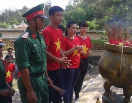 Thanh niên với hành trình vượt biển đến với xã đảo Nhơn Châu