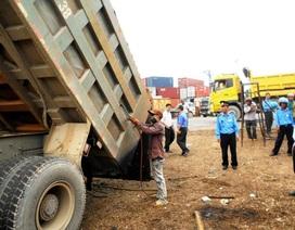 Bắt xe tải vượt tải trên 300%, xử phạt hơn 55 triệu đồng