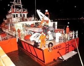 Hỏng tàu cá, 7 ngư dân bị thả trôi ở Trường Sa