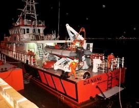 Khẩn cấp đưa tàu cứu hộ cứu ngư dân bị tai biến trên biển