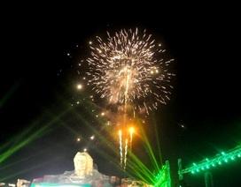 Pháo hoa sáng rực bầu trời mừng ngày giải phóng Quảng Nam