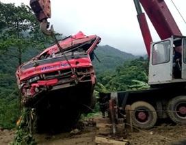 Vụ xe khách rơi xuống vực: Tạm giữ lái xe