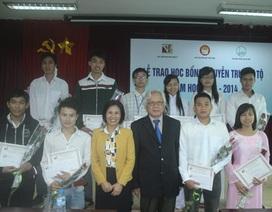 10 suất học bổng Nguyễn Trường Tộ đến với ĐH Quốc gia Hà Nội