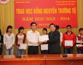 Trao 10 suất học bổng Nguyễn Trường Tộ đến sinh viên trường ĐH Sư phạm Hà Nội 2