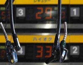 Giá xăng A95 thế giới xuống mức thấp nhất từ đầu năm