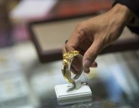 Giá vàng có thể xuống dưới 1.125 USD/ounce vào tháng tới