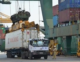 Một ngày làm thủ tục xuất nhập khẩu = 1,6 tỉ USD