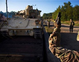 Séc cho phép hàng trăm xe quân sự Mỹ đi qua lãnh thổ