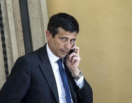 Chính trường Italy tiếp tục rúng động vì bê bối tham nhũng mới