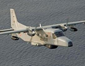 Máy bay hải quân Ấn Độ lao xuống biển, hai người mất tích