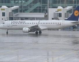 Máy bay Đức bay vòng quanh sân bay 90 phút không dám hạ cánh