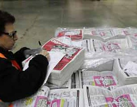 Tạp chí biếm họa Charlie Hebdo tiếp tục in triệu bản số báo mới