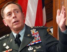 Cựu giám đốc CIA thừa nhận lộ tin mật cho nhân tình