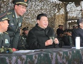 """Ông Tập Cận Bình """"chĩa súng"""" chống tham nhũng vào quân đội"""