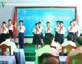 Việt kiều Campuchia kỷ niệm 125 năm sinh nhật Bác