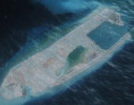 """Vì sao Trung Quốc làm """"tàu sân bay không chìm"""" ở Biển Đông?"""