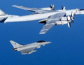 """Nga - NATO """"so găng"""" vũ khí"""