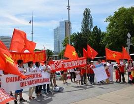 Quốc tế phản đối Trung Quốc thay đổi nguyên trạng Biển Đông