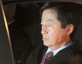 Anh trai cố Tổng thống Hàn Quốc bị triệu tập do nghi nhận hối lộ